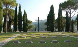 cimitero tedesco-croce di bronzo