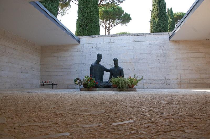 cimitero tedesco- scultura