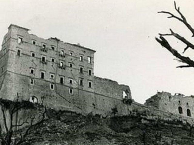 Montecassino Dopo Il Bombardamento