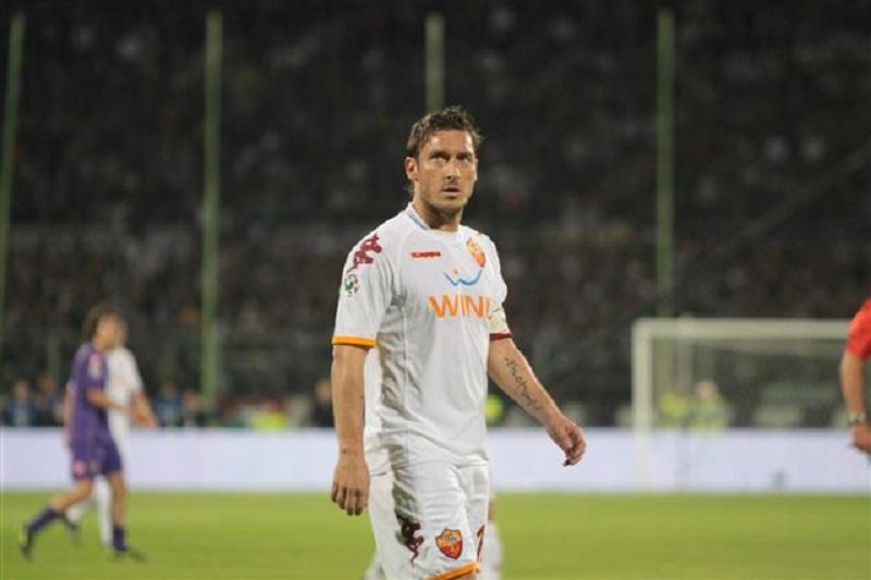 Speravo Francesco Totti In Divisa Bianca