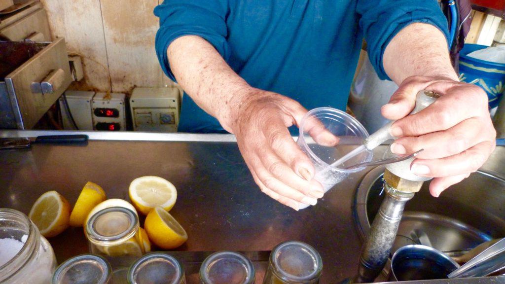 Il Seltz, sale e limone della Famiglia Giammona. Una tradizione arrivata alla quarta generazione.