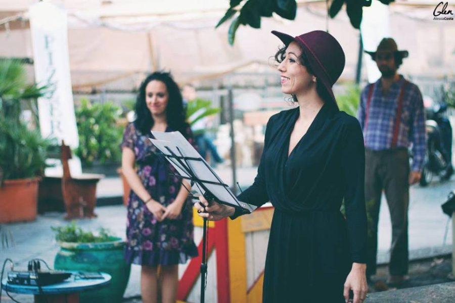 Marzia Ciulla accompagnata dai suoi allievi in uno dei suoi spettacoli. Photographer: Alessia Glen