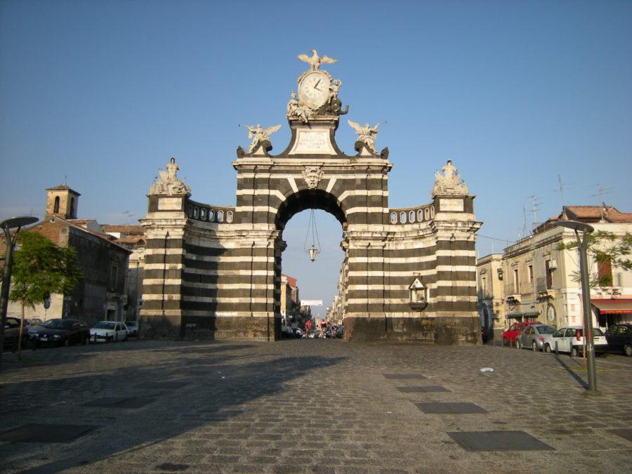 Monumenti storici catanesi: la Porta Garibaldi