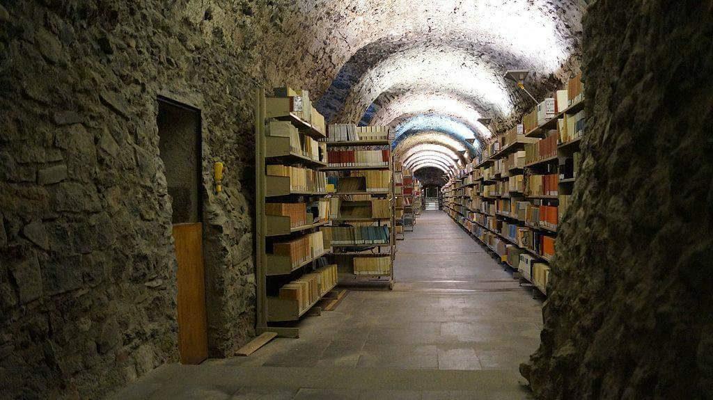 Biblioteca sotterranea del Disum, Monastero dei Benedettini