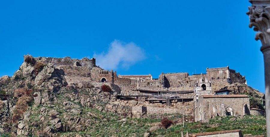 Castello di Calatabiano: uno dei castelli più maestosi di Catania. Fonte: Hotel Palladio