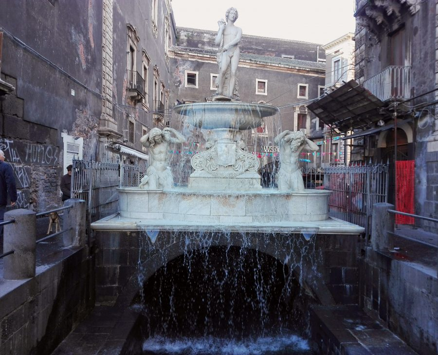 Fontane a Catania: quella dell'Amenano si trova al Duomo di Catania