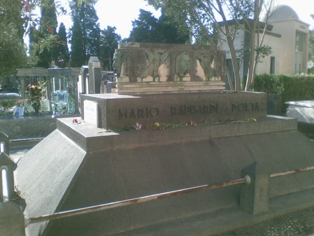 Mario Rapisardi, tomba