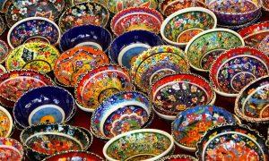 Le ceramiche di Caltagirone. Fonte foto: Antichi Ricordi Caltanissetta