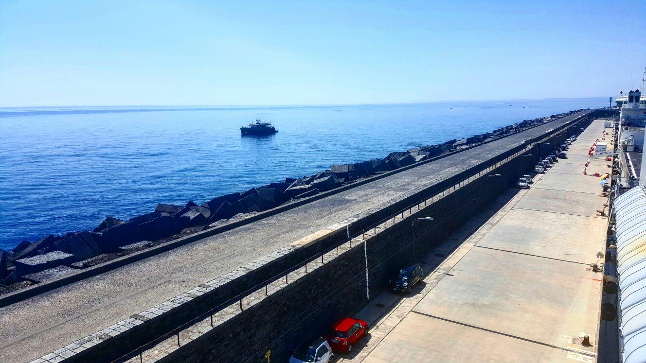 Correre a Catania sul molo di Levante del Porto è tra l'esperienze che un runner deve fare