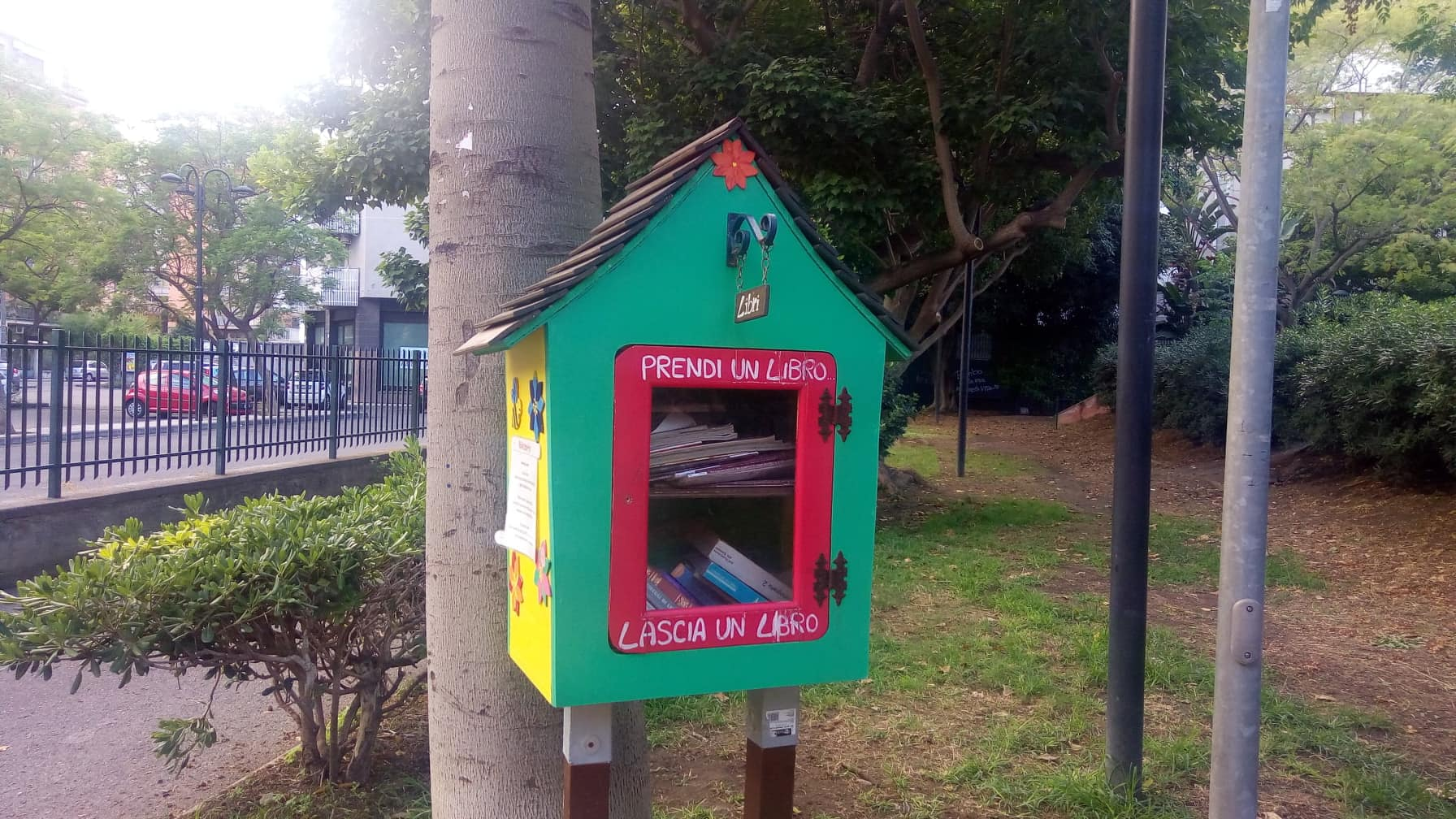 Little Free Library catanese