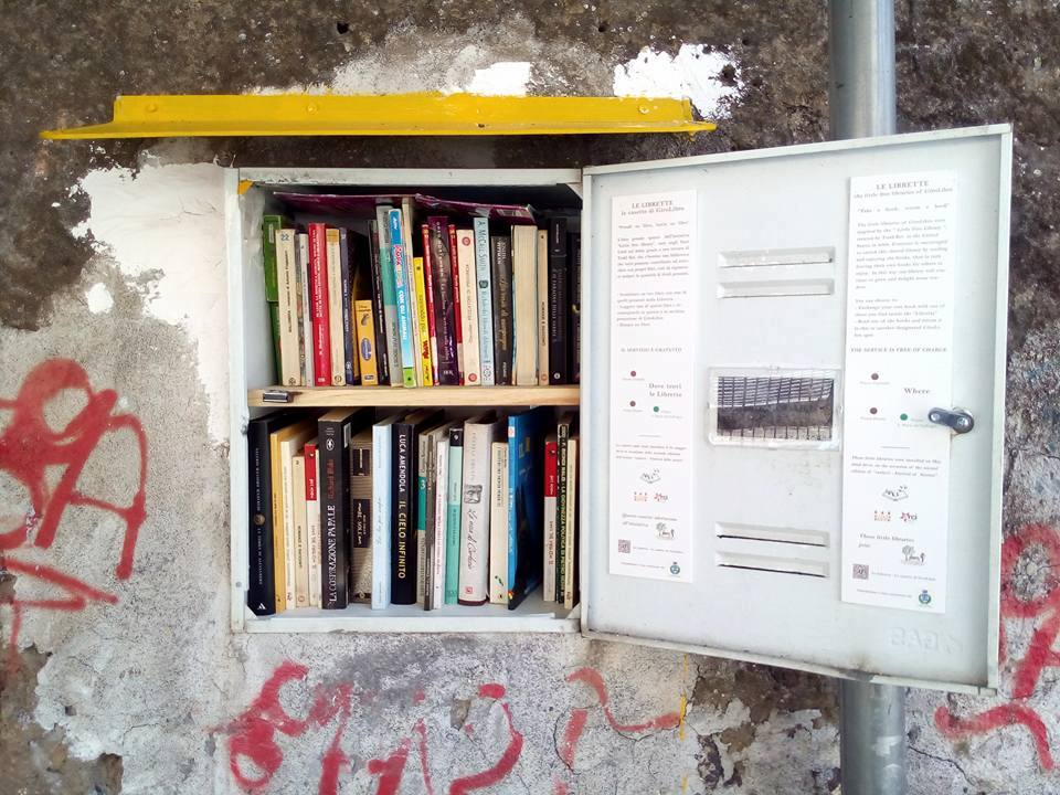Little Free Library ad Acireale