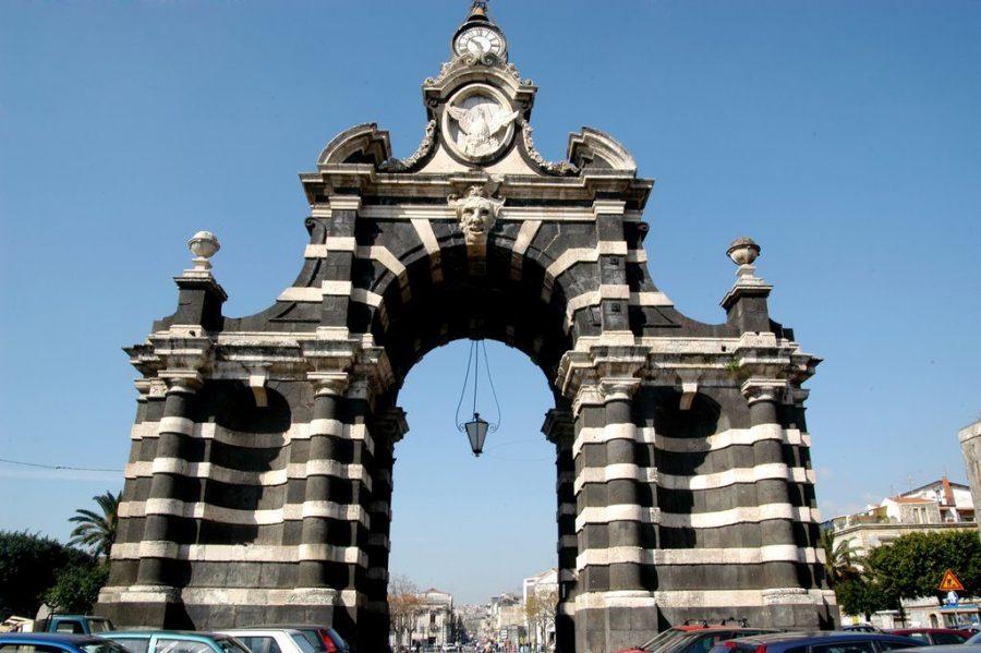La Fenice: simbolo di una Catania che risorge. Fonte foto: La Sicilia in Rete
