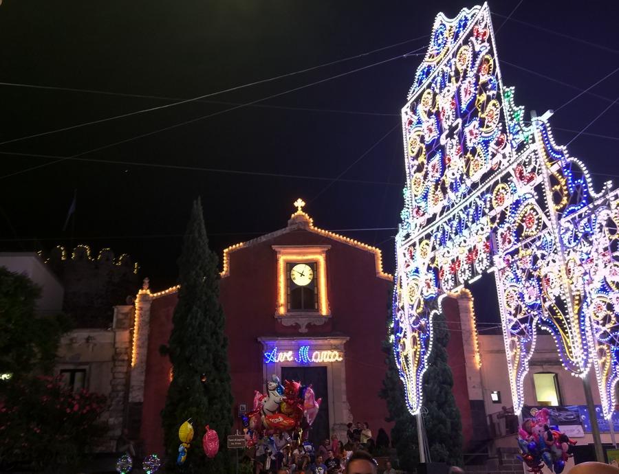 il Santuario per la festa di santa maria di ognina