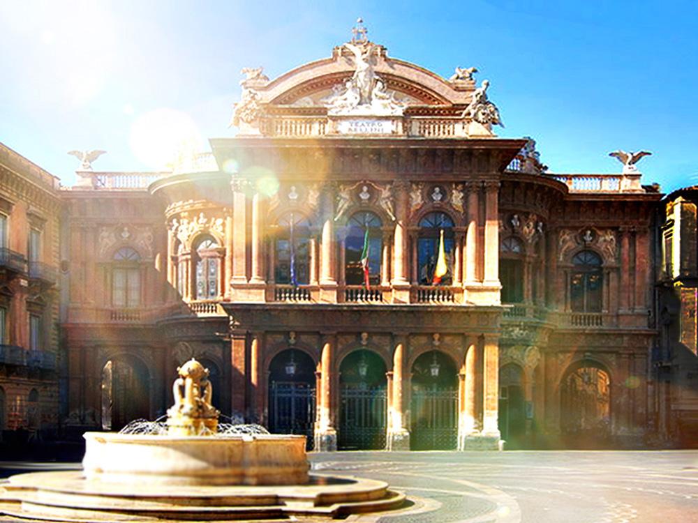 Teatro Massimo immortalato da Aurora Rosselli