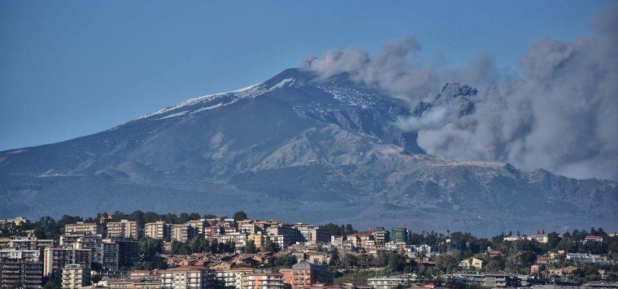 L'ultima eruzione dell'Etna, dopo il terremoto del 26 dicembre 2018. Fonte foto: Il Sussidiario
