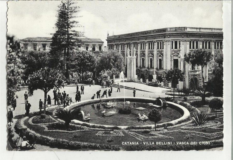 Vecchia cartolina della Villa Bellini.