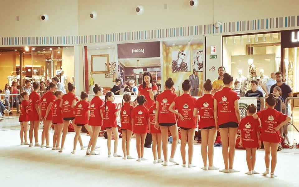 Simona Bevilacqua e la sua squadra di ginnastica ritmica a Catania