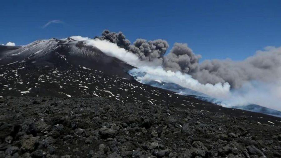 Etna in eruzione. Fonte foto: La Stampa