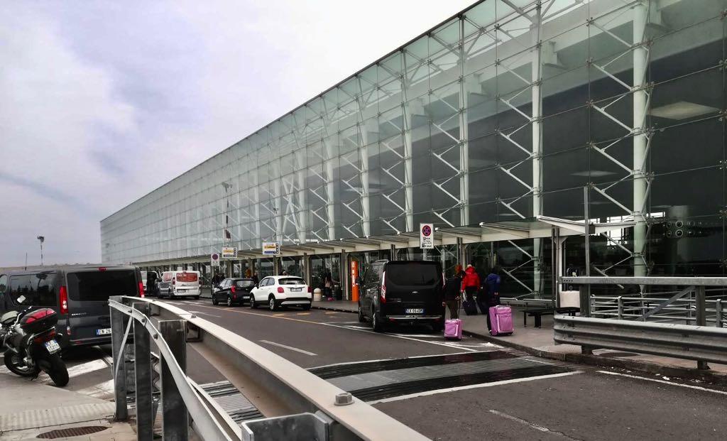 Ingresso Aeroporto Catania 2