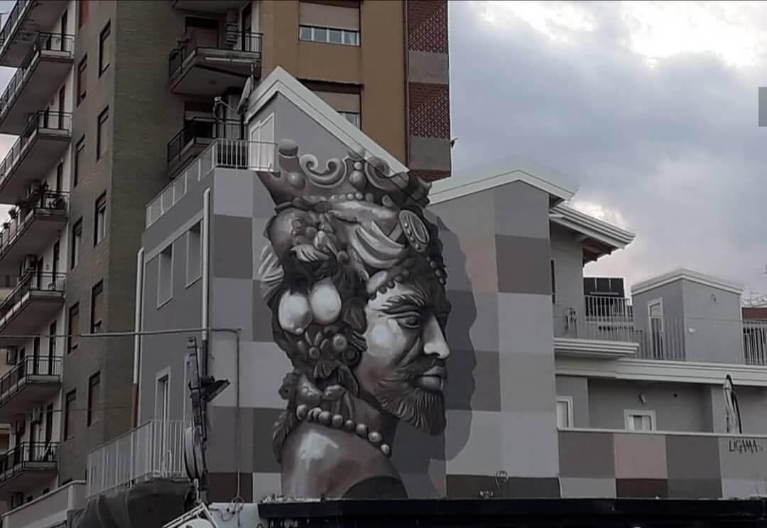 Lo street artist siciliano Salvo Ligama, ha realizzato diversi murales a Catania, gli ultimi due sono il Dio Poseidone e il Moro a San Giovani Li Cuti e Piazza Europa.