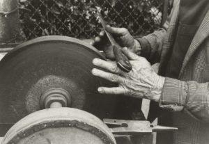 antichi mestieri - Ammula forbici (Arrotino). Fonte foto: Curiosando708090