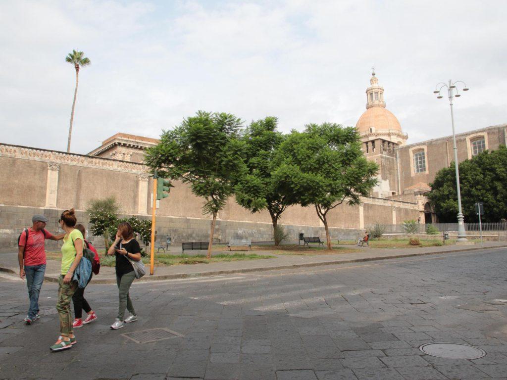 Piazza Dante pedonale