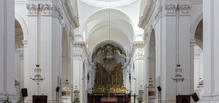 Meridiana dei Benedettini - interni della chiesa di Piazza Dante. Fonte foto: Cristiano La Mantia