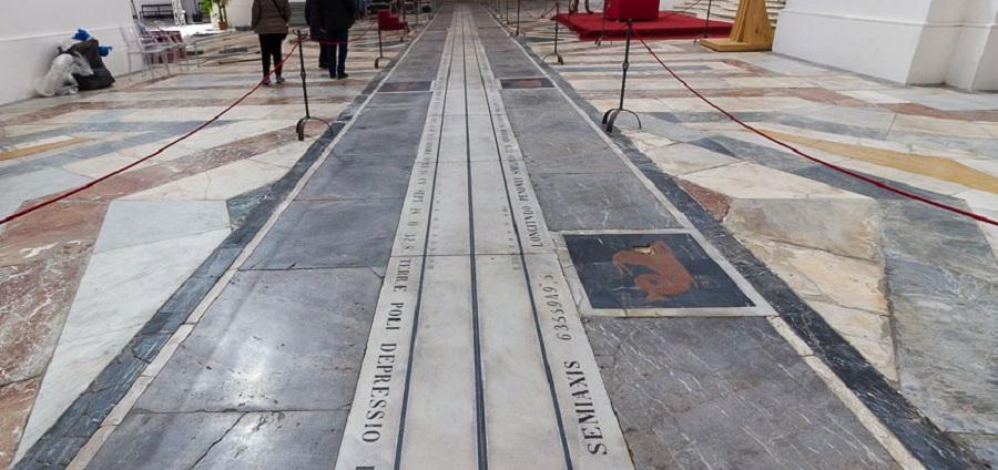 Meridiana dei Benedettini - la bellezza matematica nella chiesa di San Nicolò l'Arena. Fonte foto: Cristiano La Mantia