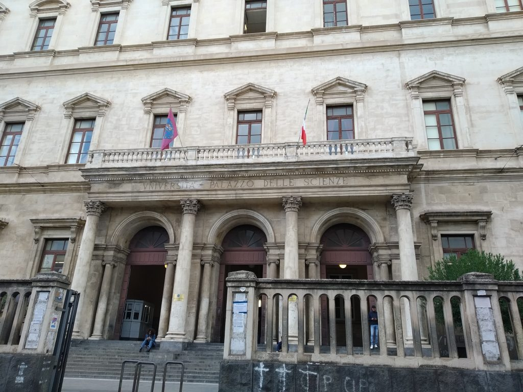 Studenti universitari: la Facoltà di economia di Catania