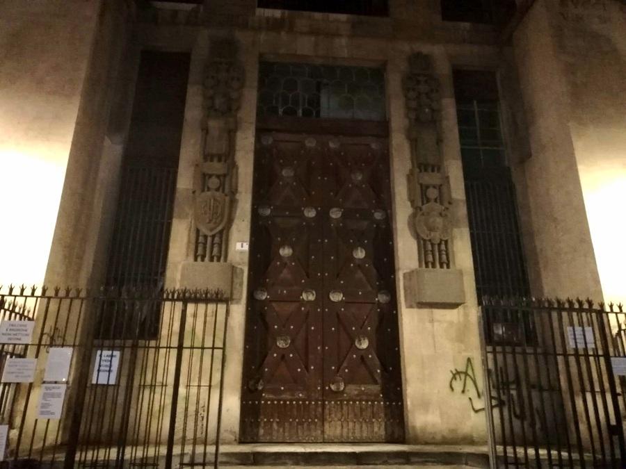 La Casa del Mutilato a piazza Vincenzo Bellini, oggi chiusa. Foto di: Valentina Friscia