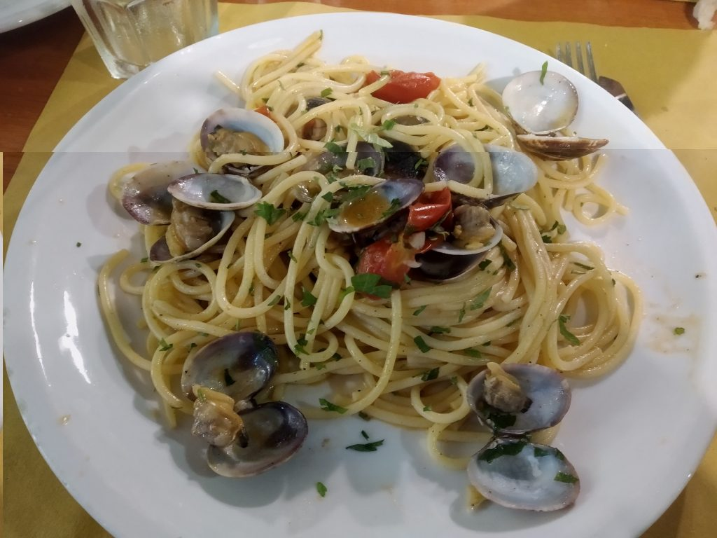 Piatti del Capodanno: spaghetti con vongole veraci