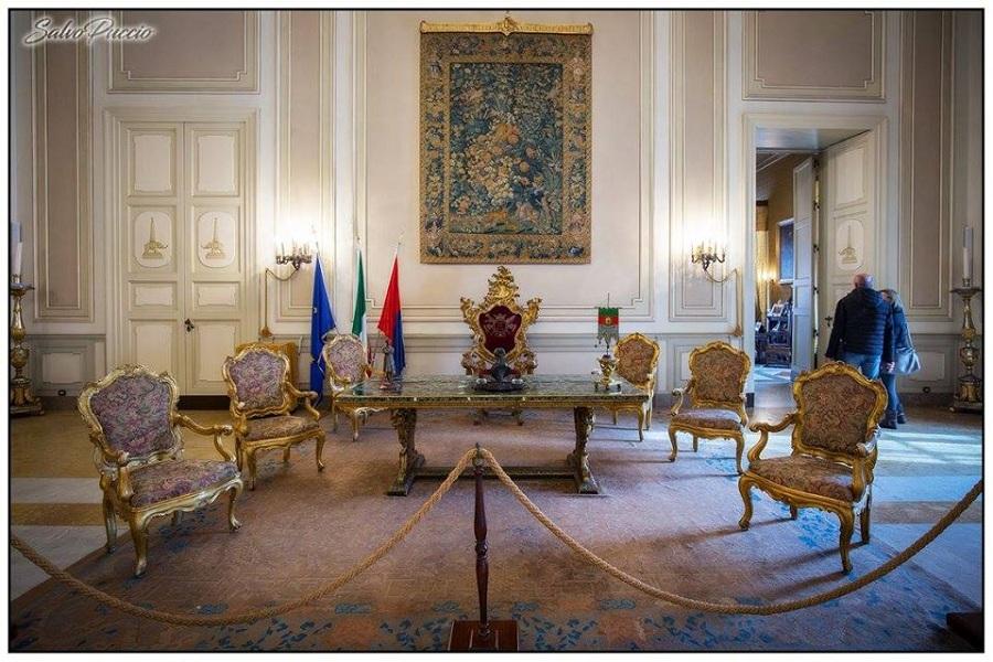 Palazzo degli Elefanti - salone interno. Foto di: Salvo Puccio