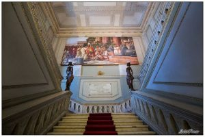 Palazzo degli Elefanti - le scale interne del Municipio. Foto di: Salvo Puccio
