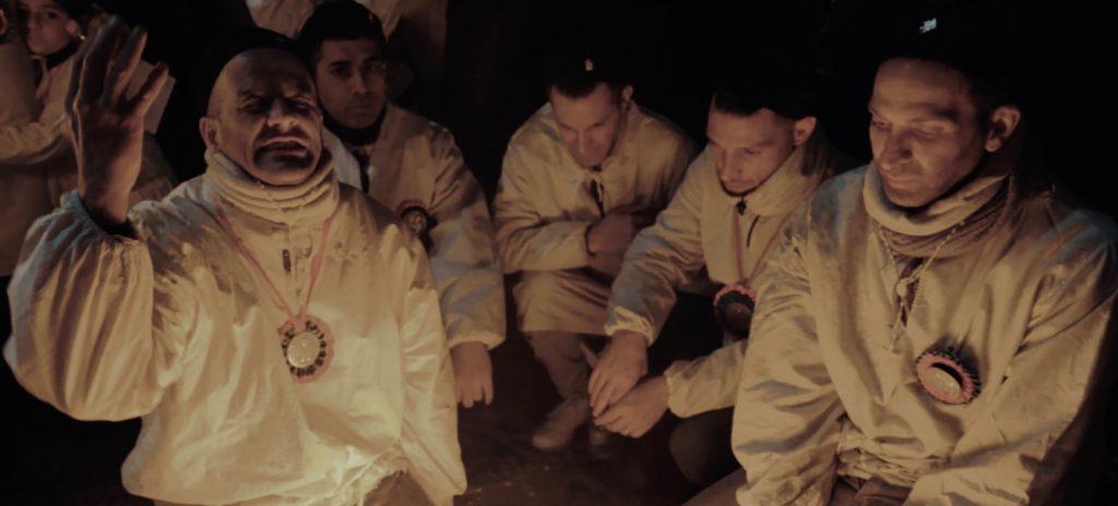 Devoti di Sant'Agata recitano le giaculatorie durante la notte del 4 febbraio - foto di Beatrice Costantino