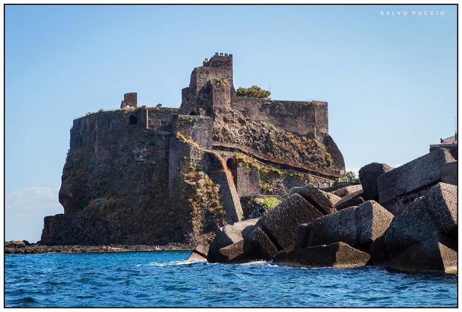 Castello Di Aci