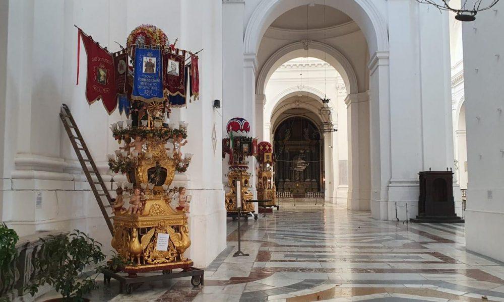 Candelore In Chiesa San Nicolò L'arena