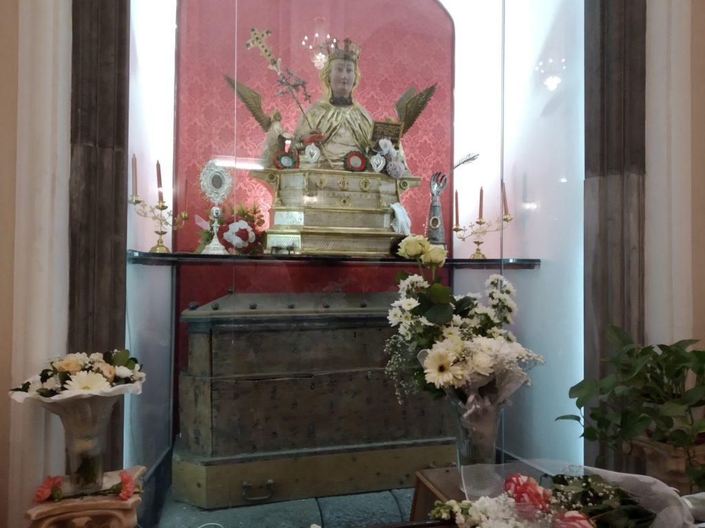 Sant'Agata la Vetere: copia del busto e custodia delle reliquie