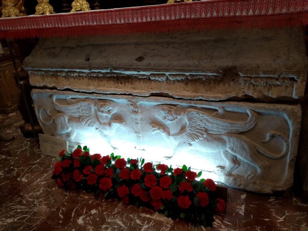 Sant'Agata la Vetere: Il Sarcofago