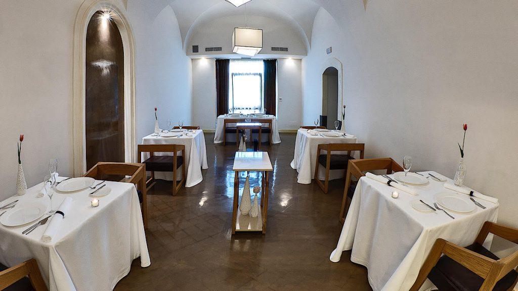 Sala principale di Sàpìo Restaurant
