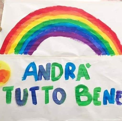 #andratuttobene è la campagna nazionale che prevede un grande arcobaleno disegnato su fogli e lenzuola bianche appesi ai balconi per invitare grandi e piccoli alla speranza