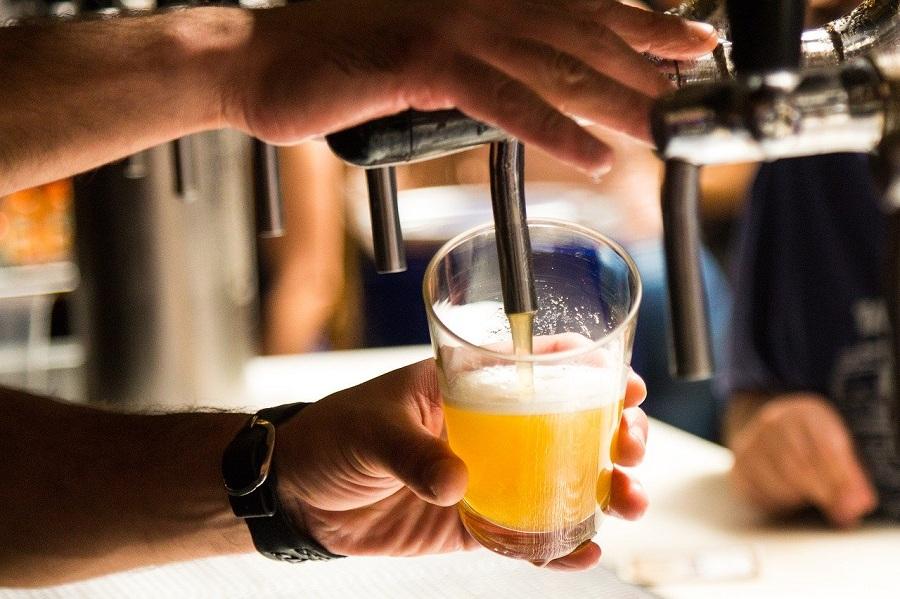 Birra artigianale catanese - schiumare la birra