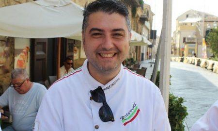 Andrea Finocchiaro è un giovane chef che ha fondato nel 2005 l'associazione internazionale Ristoworld Italy che raduna professionisti dell'ambito alberhiero, della ristorazione e del turismo. Al suo attivo ha numerosi riconoscimenti ed è fautore di tanti innovativi progetti.