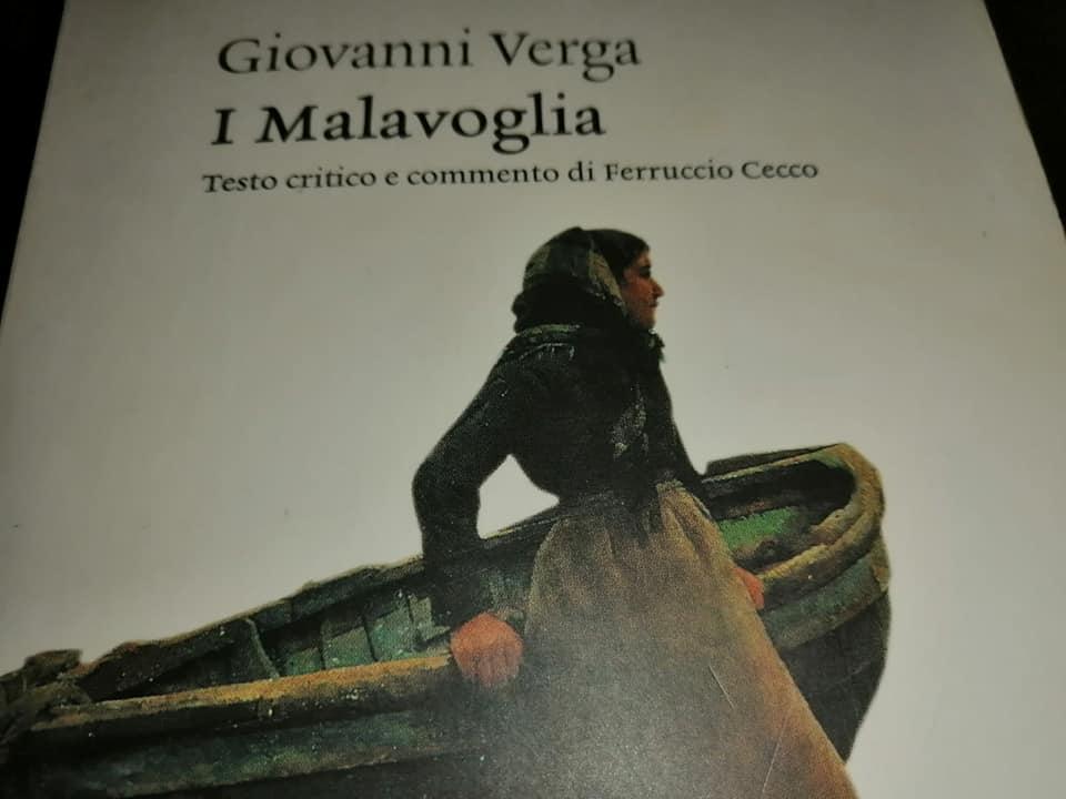 """La copertina del capolavoro letterario di Giovanni Verga, un romanzo che appartiene al ciclo dei vinti, da cui Andrea Finocchiaro è stato affascinato e a cui ha reso omaggio con il dessert """"Provvidenza"""""""