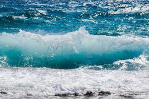 Mare sicuro: le onde di un mare mosso