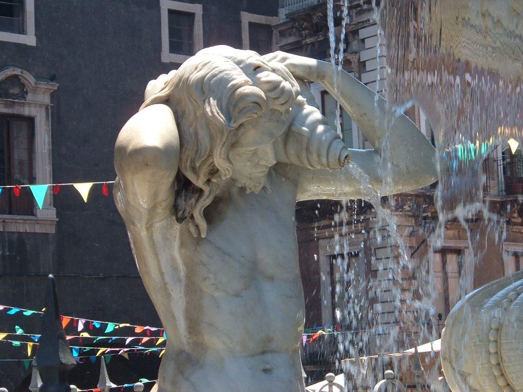 Statua Marmorea Fiume Amenano Piazza Duomo Catania