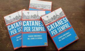 La copertina del libro Catanesi per sempre celebra i colori della città: il rosso del fuoco e della lava e l'azzurro del mare