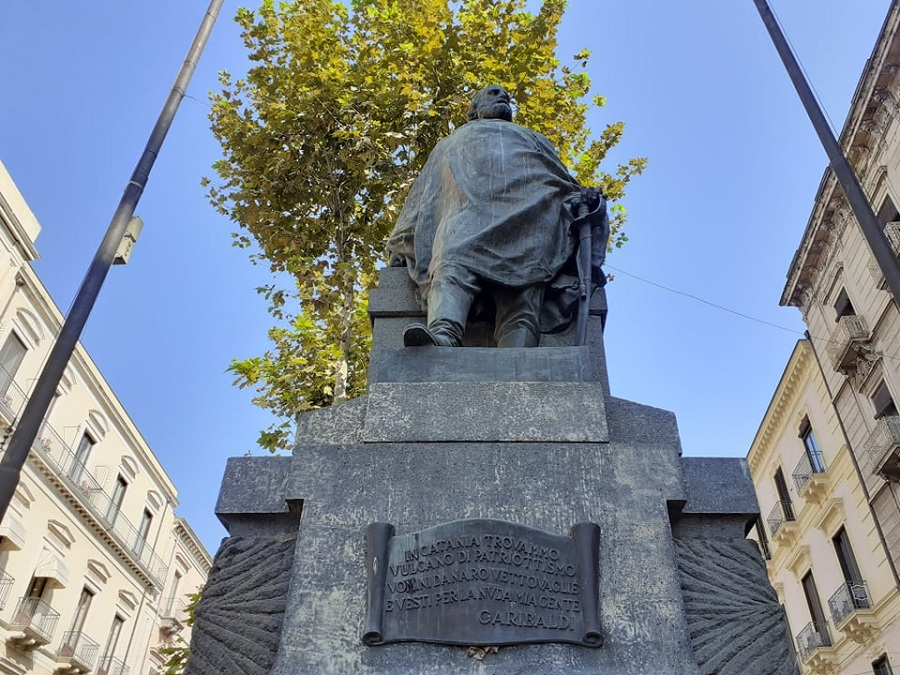 Statua Garibaldi Catania 2