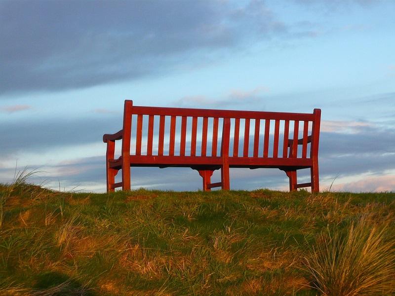 Panchina colorata: quella Rossa - Foto: Pixabay