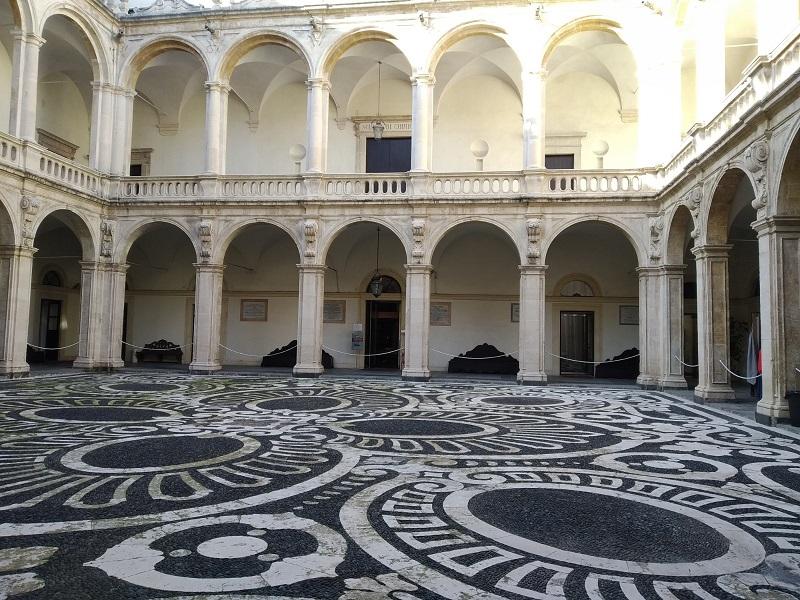 Allinterno Del Palazzo Di Piazza Università - Foto: Cavaleri Francesca Agata