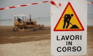 Nuovo Look: cartello dei lavori In Corso -Foto: Pixabay